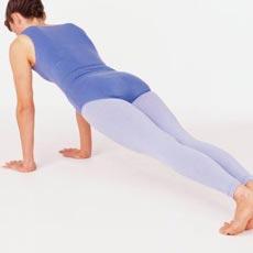 Как увеличить женскую грудь с помощью упражнений
