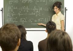 Учительница смогла соблазнить ученика